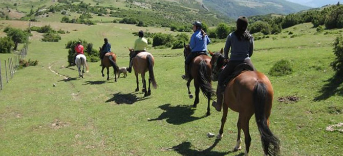 tour-horse-riding-casa-azabache