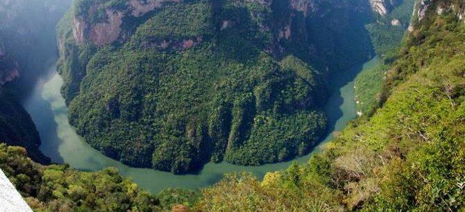 Cañón-del-Sumidero-en-Chiapas-900x500-compressed
